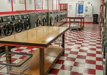 High-Tech Laundromat Opens Downtown